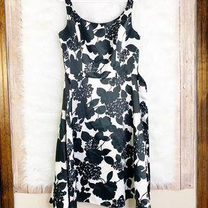 White House Black Market Black White Floral Dress
